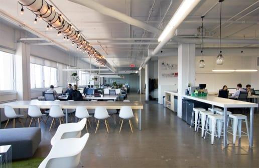 Rénovation d'un bureau moderne à Montréal